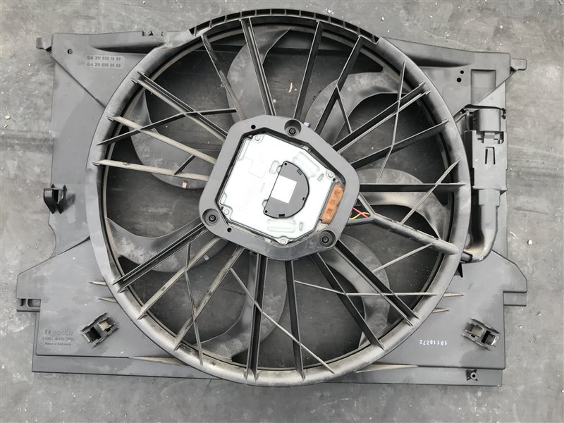 Вентилятор радиатора Mercedes-Benz Cls-Class W219 W219 C219 272.964 2006