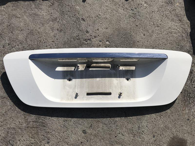 Накладка крышки багажника Mercedes-Benz S-Class W220 W220 113.690 2001