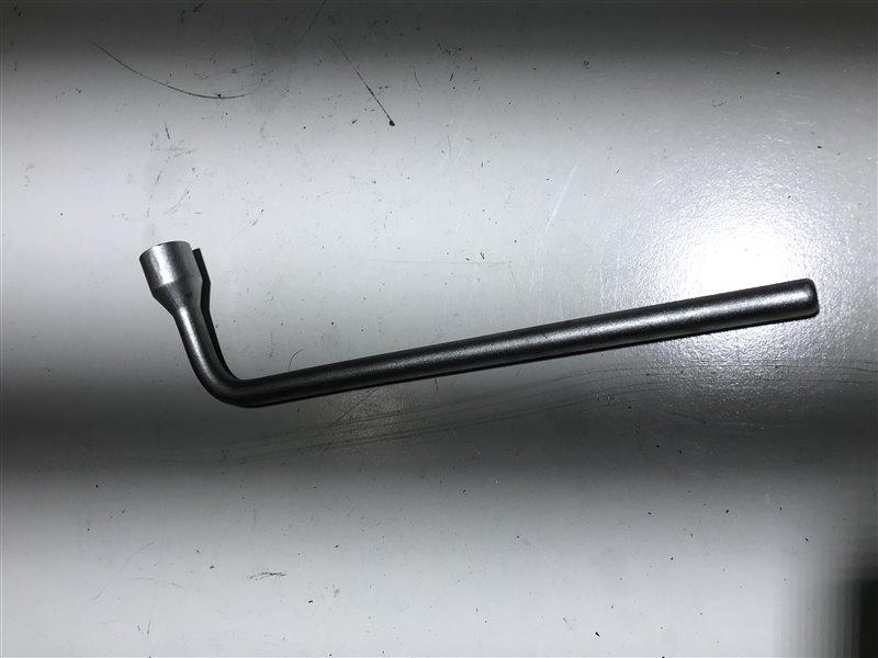 Ключ балонный Mercedes-Benz E-Class W211 W211