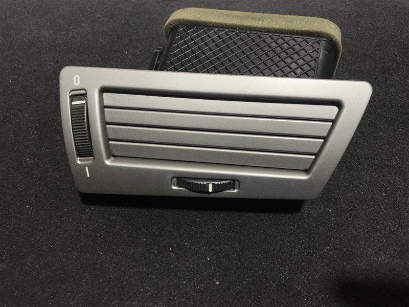 Дефлектор торпедо Bmw 7-Series E65 N62B48B 2006 правый