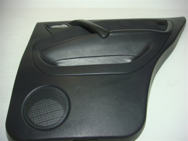 Обшивка задней двери Mercedes-Benz M-Class W163 W163 612.963 2002 задняя правая