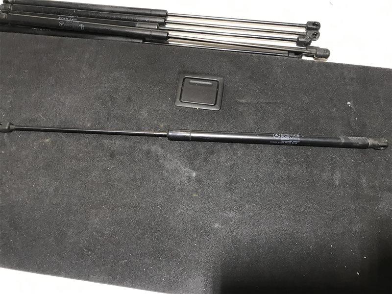 Амортизатор багажника Mercedes-Benz C-Class W204 W204 272.921 2008