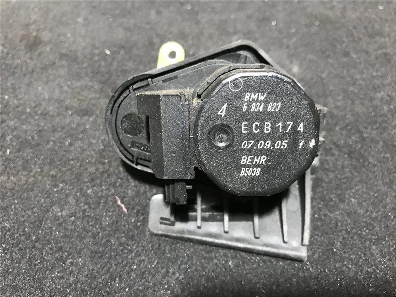 Сервопривод заслонок печки Bmw X3 E83 M54B25 2005