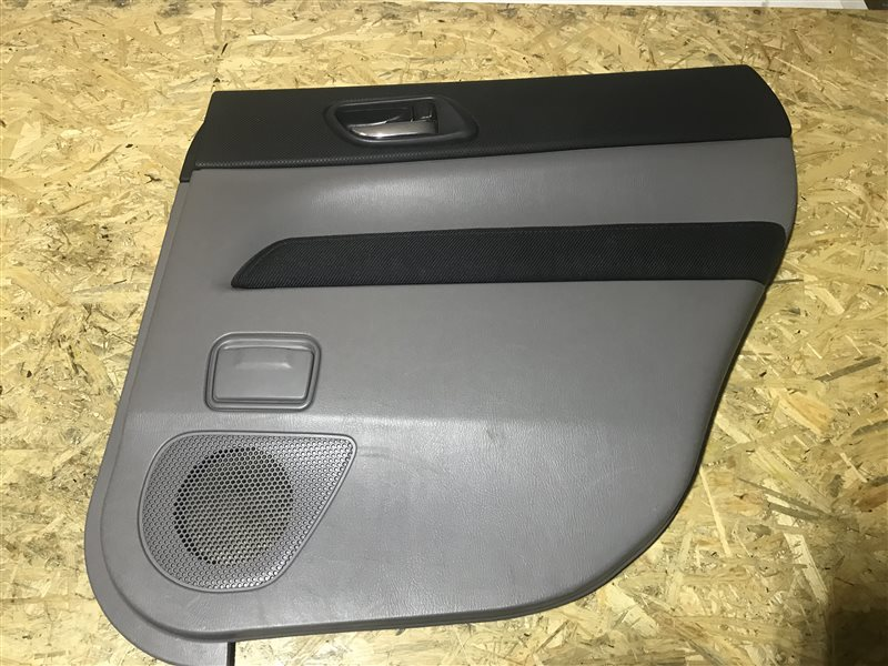 Обшивка двери Subaru Forester SG5 EJ205 2004 задняя правая