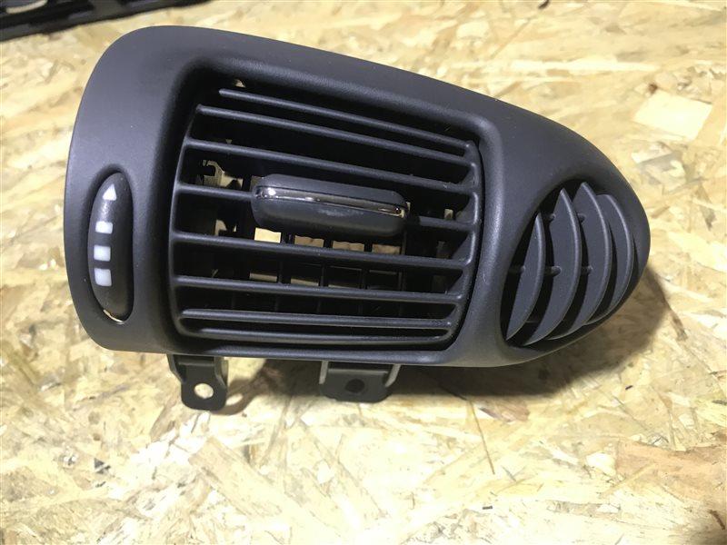 Дефлектор воздушный Mercedes-Benz C-Class W203 W203 111.955 2001 передний правый