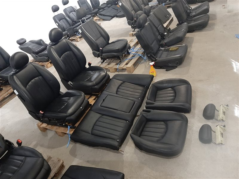 Комплект сидений Mercedes-Benz Cls-Class W219 W219 C219