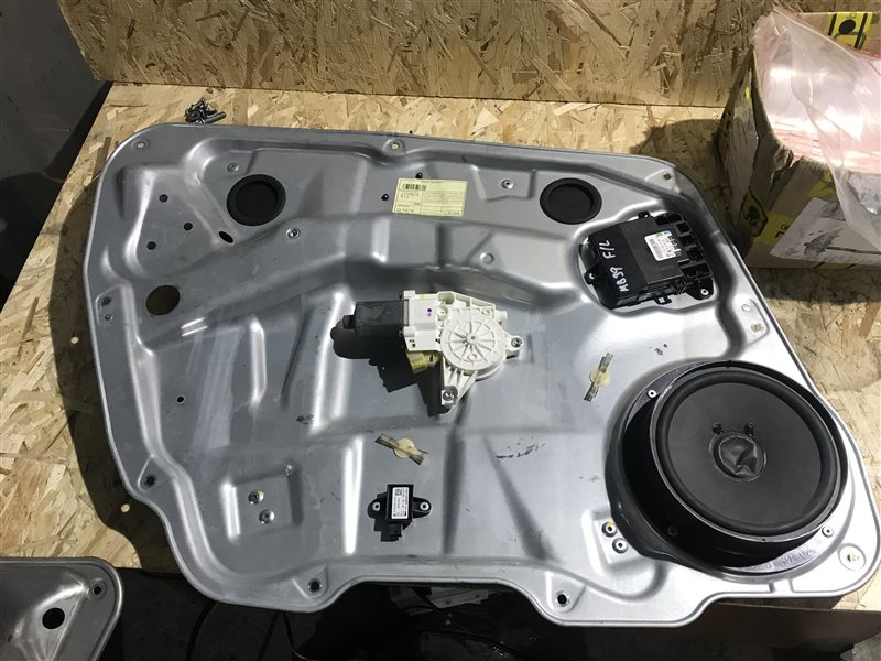 Блок управления двери Mercedes-Benz M-Class W164 W164 272.967 2006 передний левый