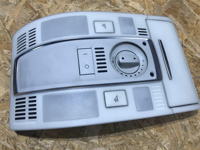 Плафон салона Audi A6 C6 AUK 2006 передний