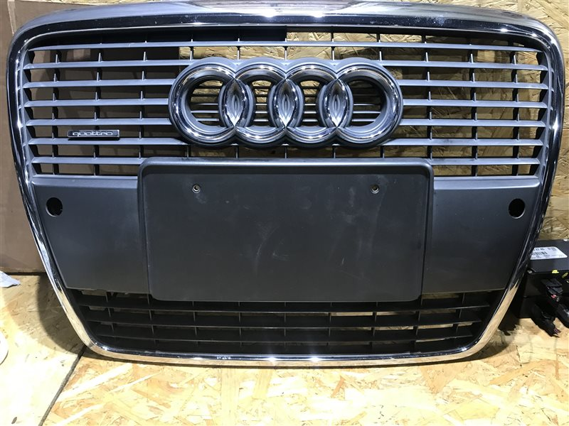 Решетка радиатора Audi A6 C6 AUK 2006