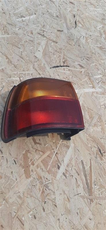 Стоп-сигнал Mitsubishi Delica PE8W 4M40 задний левый