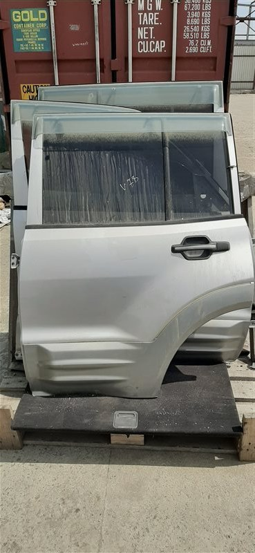 Дверь Mitsubishi Pajero V78W 4M41 1999 задняя левая