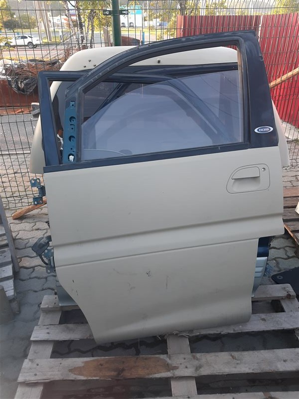 Дверь Mitsubishi Delica PE8W 4M40 передняя левая