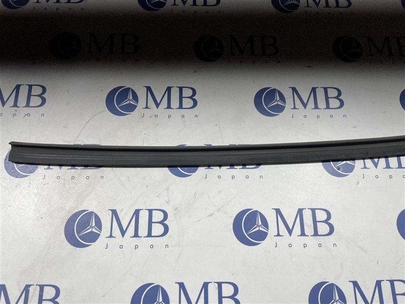 Уплотнительная резинка Bmw 3-Series E90 N52B25A 2006