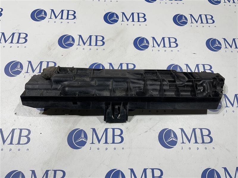 Кронштейн радиатора Bmw 3-Series E90 N46B20B 2007 правый