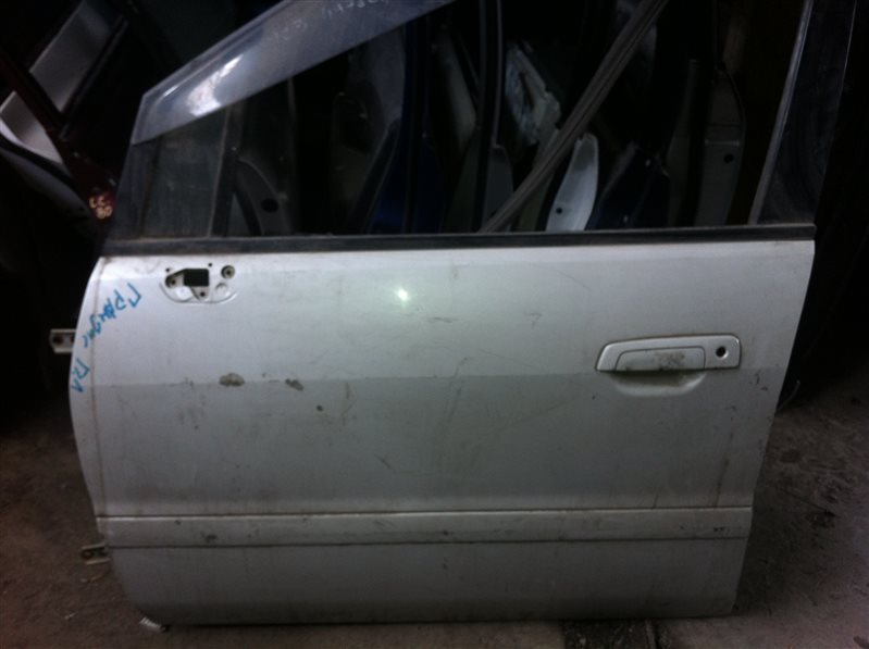 Дверь Mitsubishi Grandis 1999 передняя левая