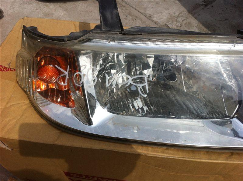 Фара Mazda Bongo WL4 2000 передняя правая