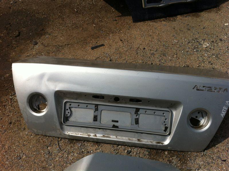Крышка багажника Toyota Altezza 2000