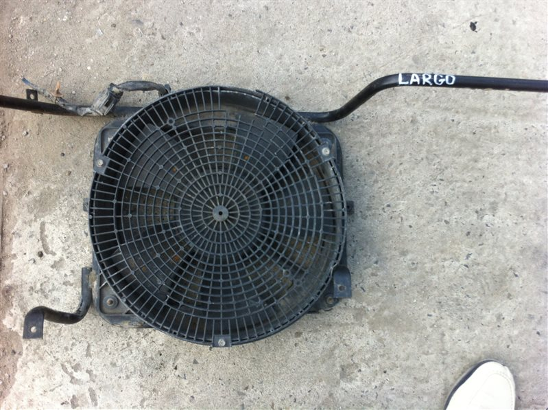 Вентилятор радиатора Nissan Largo 30 1998