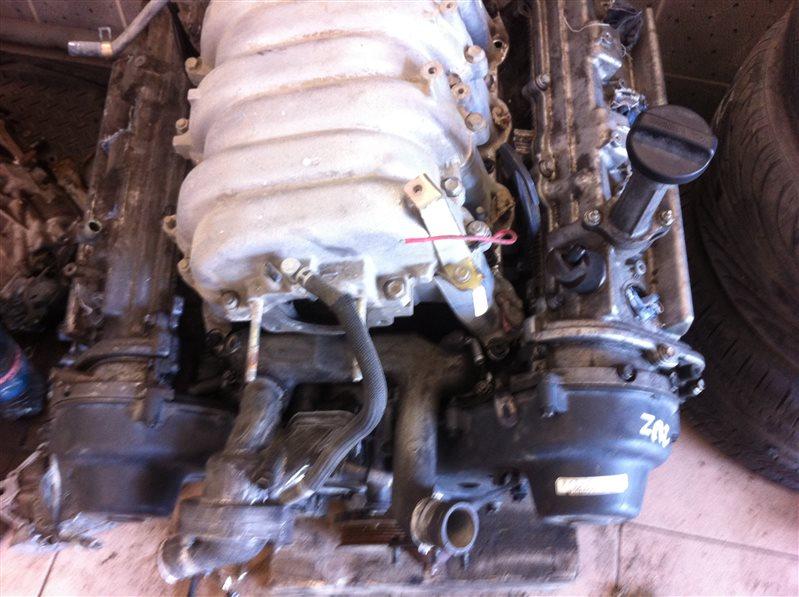 Двигатель Toyota Land Cruiser 100 2UZFE 2004