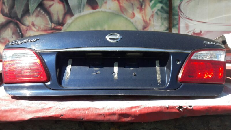 Крышка багажника Nissan Cefiro A33 VQ25 2000 задняя