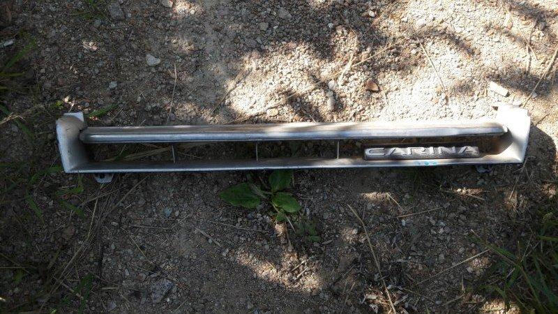 Решетка радиатора Toyota Carina AT170, AT171, AT175, ST170 5AF, 4AFE, 5AFE, 3SFE 1990