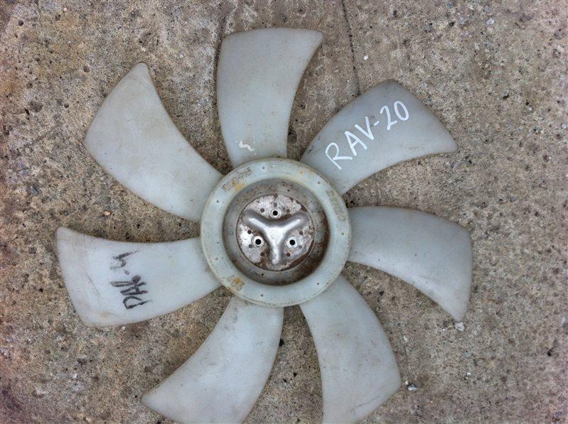 Крыльчатка моторчика радиатора Toyota Rav4 20