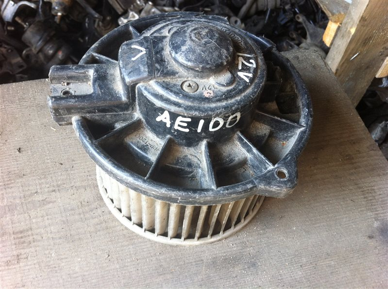 Мотор печки Toyota Corolla AE100