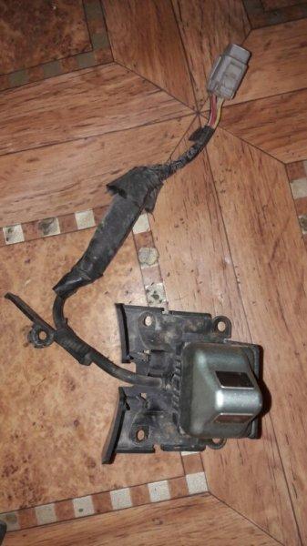Видеокамера камера Toyota Ipsum ACM21, ACM26 2AZFE 2002 передняя