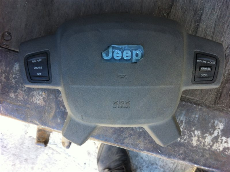 Airbag подушка безопасности на руль Jeep Cherokee 2007