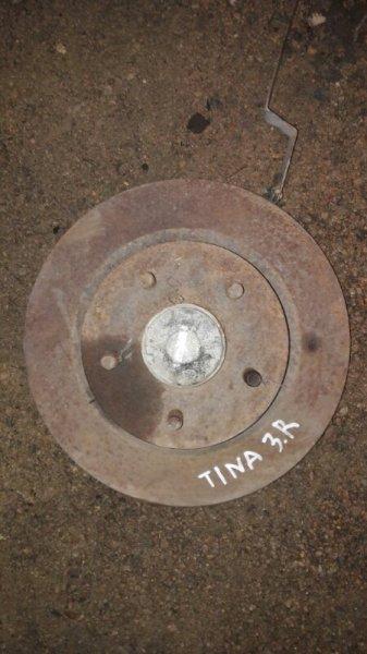Ступица Nissan Tino V10 QG18DE 2003 задняя