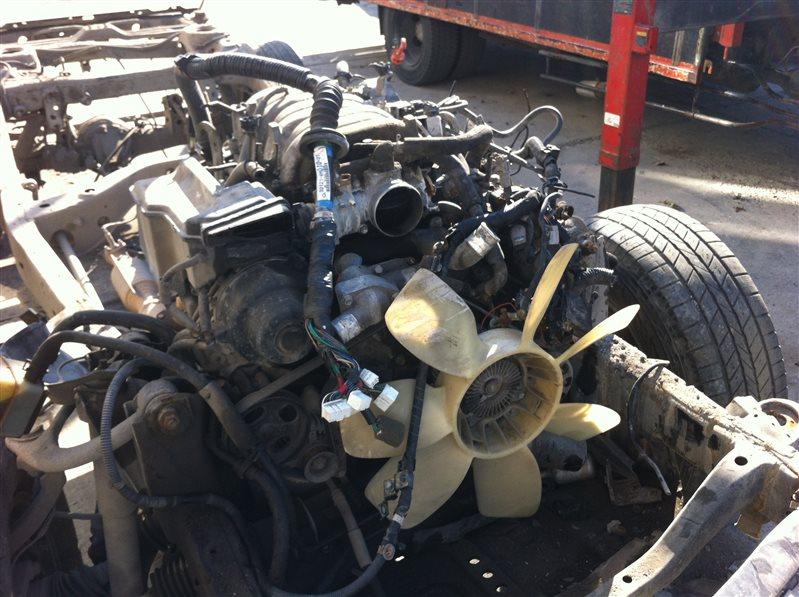 Двигатель Toyota Land Cruiser 100 2UZFE 2002