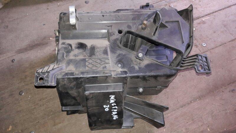 Корпус печки Nissan Mistral R20 TD27 1996