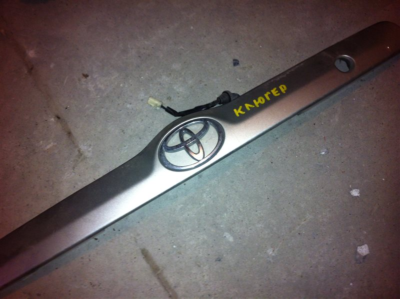 Накладка Toyota Kluger ACM21 2002 задняя