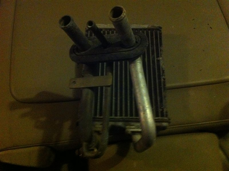 Радиатор отопителя Nissan Largo 30