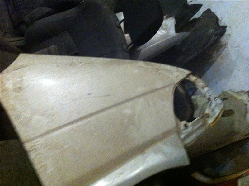 Крыло Toyota Hiace Regius 2001 переднее правое