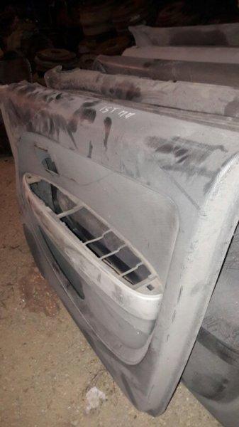 Обшивка двери Toyota Ist NCP60 NCP61 2003