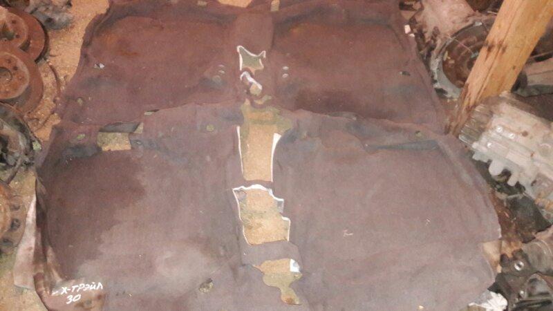 Ковровое покрытие-пол Nissan X-Trail NT30 QR20DE 2003
