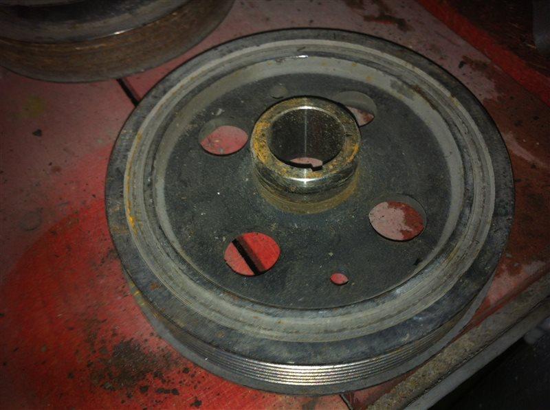 Шкив коленвала Toyota Corolla 150 1ZR 2010