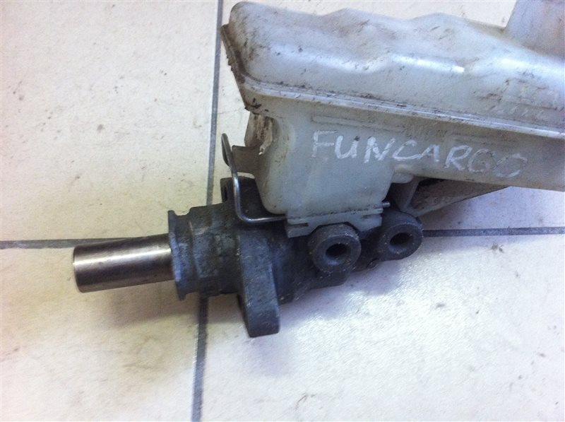 Главный тормозной цилиндр Toyota Funcargo NCP20 2001