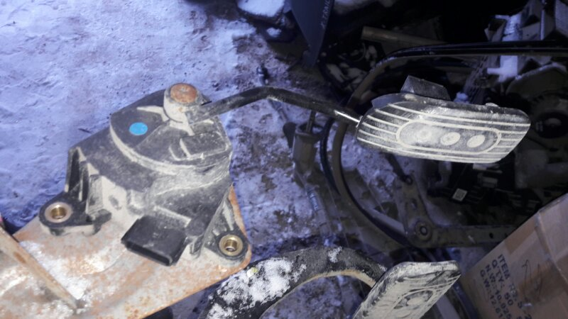 Педаль акселератора ( газа ) Nissan Tiida Latio SC11 HR15 2005