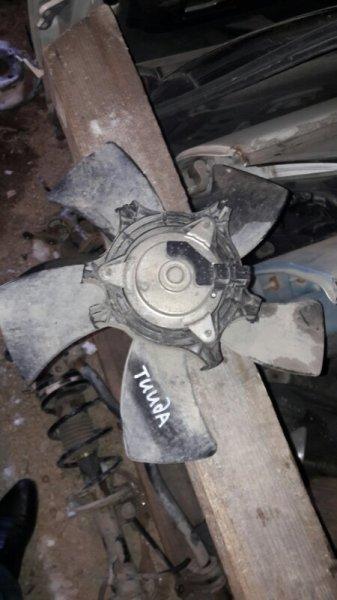 Вентилятор радиатора Nissan Tiida Latio SC11 HR15 2005