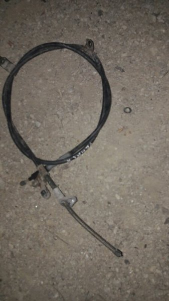 Тросик ручника Toyota Corolla NZE121, NZE122, ZZE121, ZZE122 1NZFE, 1ZZFE 2001