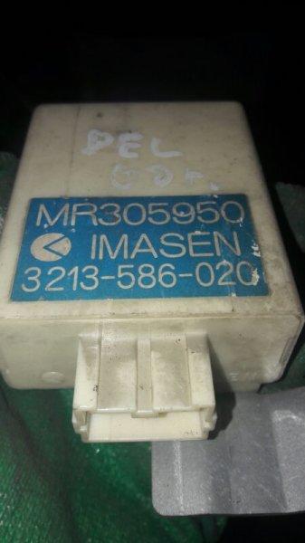 Блок управления полным приводом Mitsubishi Delica PD6W, PD4, PE8W 6G72 2001