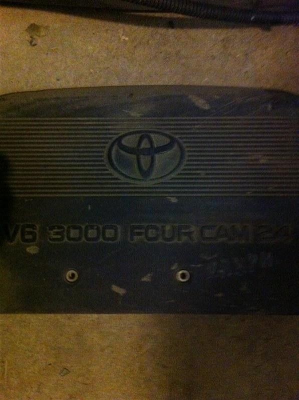 Декоративная крышка двс Toyota Camry ACV30 1MZ-FE 2004