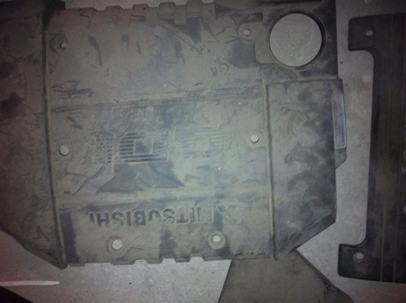 Декоративная крышка двс Mitsubishi 4G63T