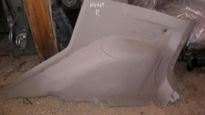 Обшивка пластик накладка багажника Mitsubishi Colt Z25A, Z23A, Z27A 4G19, 4A90, 4A91 2005