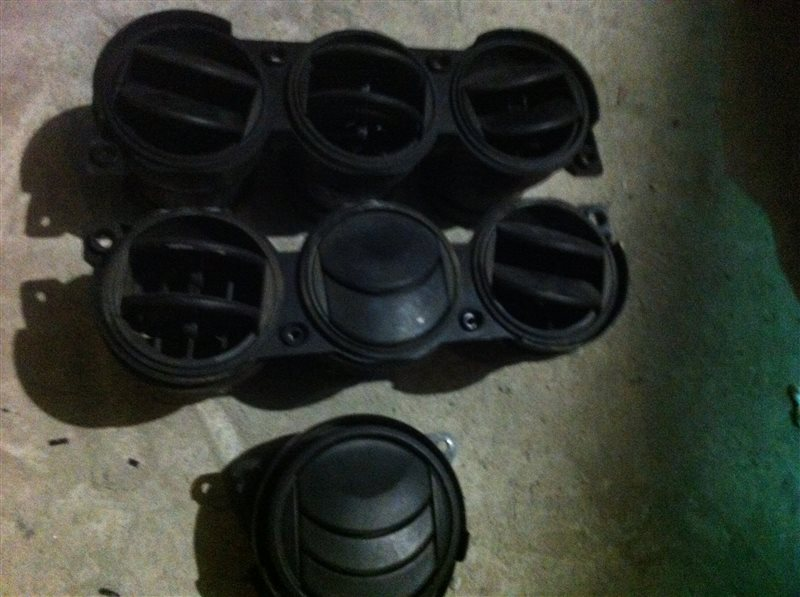 Дефлектор. регулятор воздушного потока Mazda Cx7 2009