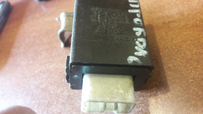 Блок управления дверьми Toyota Probox NCP55, NCP50, NCP59 1NZFE 2003