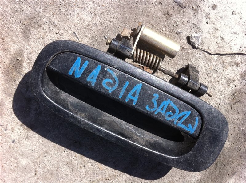 Ручка двери внешняя Toyota Nadia SXN10 задняя левая