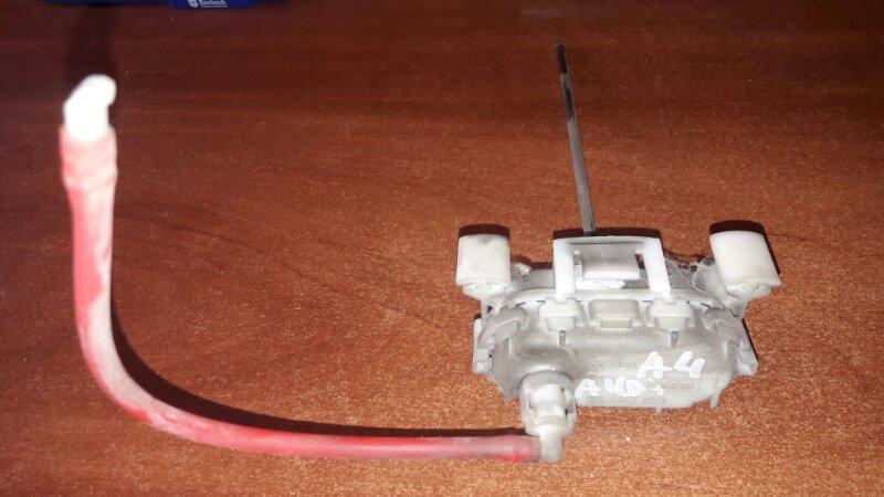 Активатор замка лючка бензобака Audi A4 B5 УНИВЕРСАЛ ARG 1.8 НЕ ТУРБО 2000